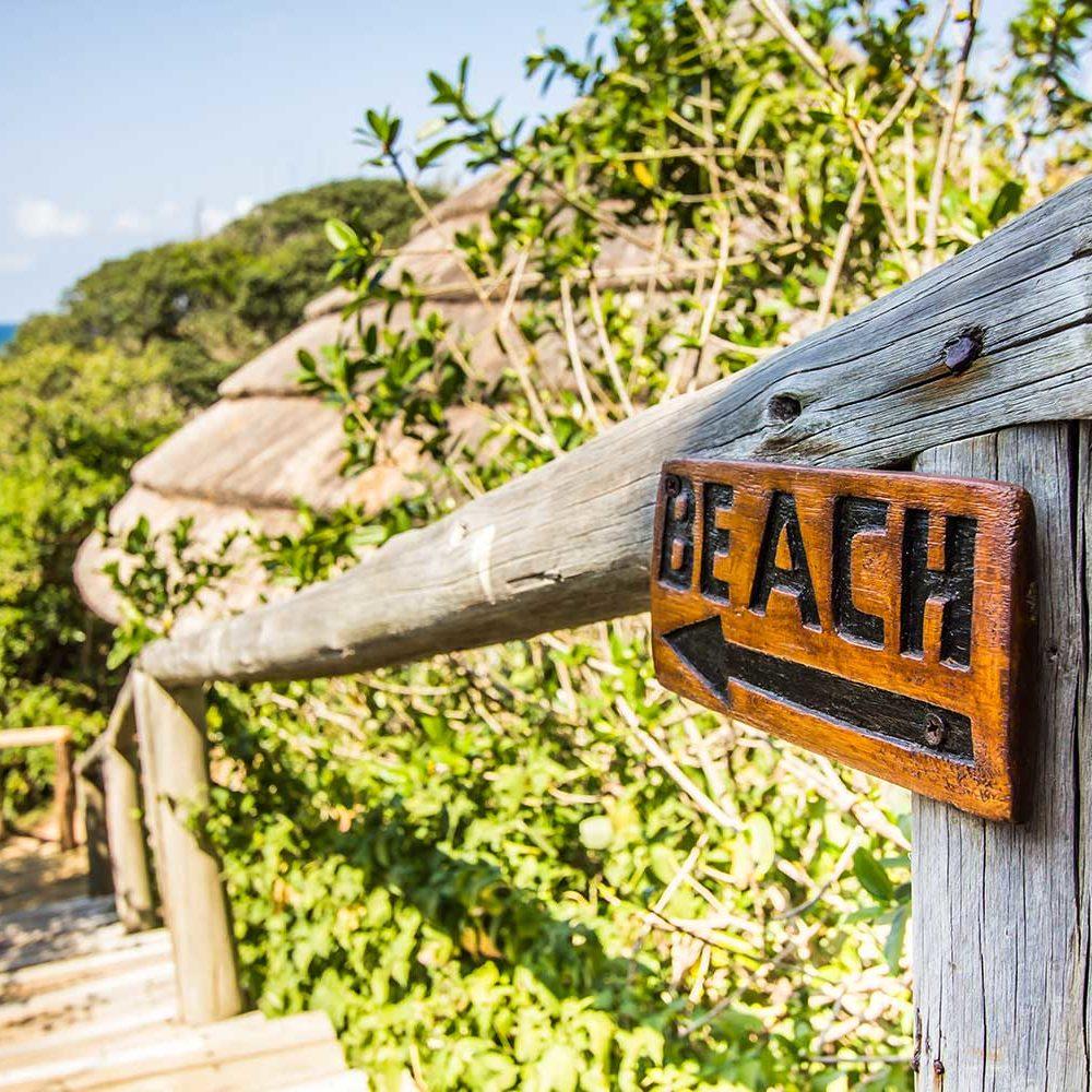 Beach lodge To The Beach Sign - photo by Kim Steinberg